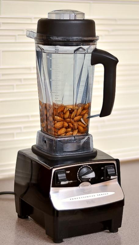 Vanilla-Cinnamon Almond Milk