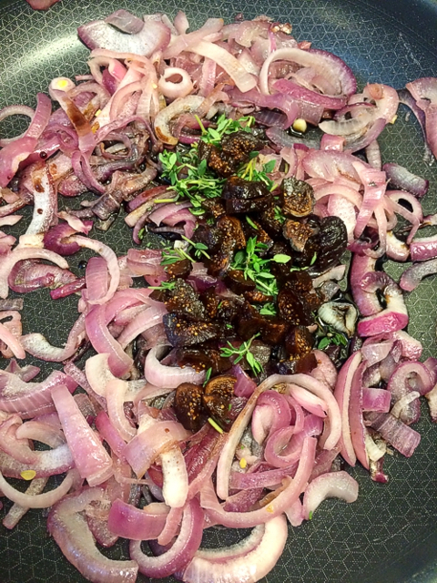 Sautéed Onions with Honey, Thyme & Figs