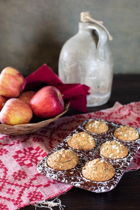 Applesauce Oat Muffins