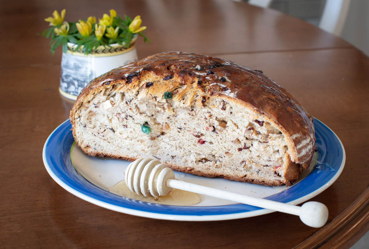 Welsh Bara Brith: Sweet Bread with Dried Fruits & Raisins