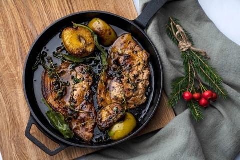 Roast Pork Chops with Apple & Cinnamon
