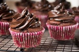 Cupcakes with chocolate frosting