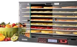 Dried food in Sahara folding dehydrator