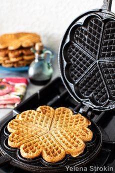 Stovetop cast iron waffle maker waffles