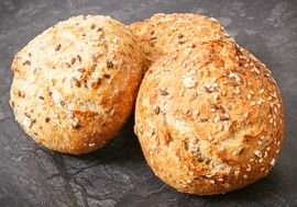Whole grain buns with seeds